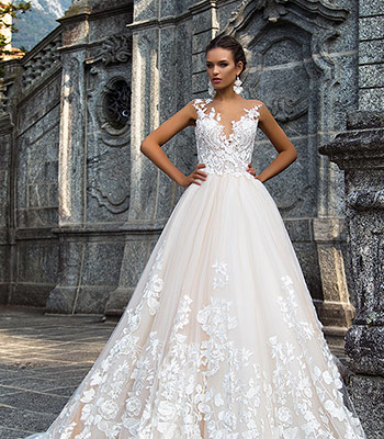 свадебное платье с 3d цветами