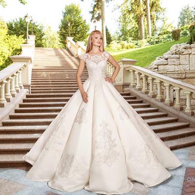 пышное атласное волнами свадебное платье
