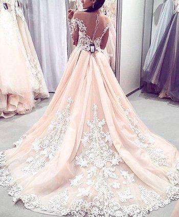 шикарное свадебное платье шлейф