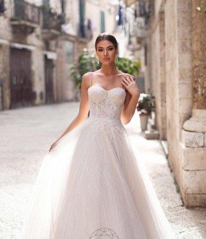 свадебное платье с открытым корсетом