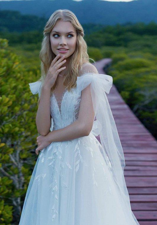 свадебное платье с бантиками