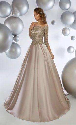 Вечернее платье перламутрового оттенка