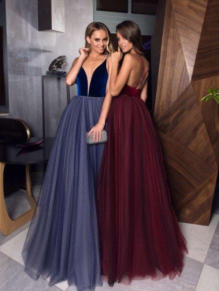 Вечерние платья с глубоким вырезом